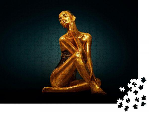 """Puzzle-Motiv """"High Fashion Modelmädchen mit leuchtend goldenen Funkeln auf ihrem Körper posierend"""" - Puzzle-Schachtel zu 1000 Teile Puzzle"""