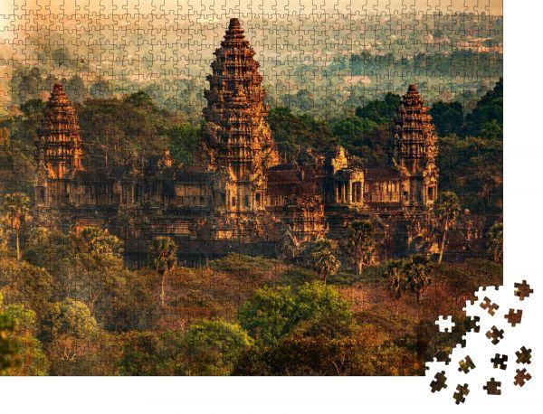 """Puzzle-Motiv """"Erstaunlicher Blick vom Angkor Tom am späten Abend nach unten / Angkor Wat"""" - Puzzle-Schachtel zu 1000 Teile Puzzle"""