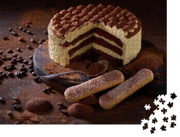 """Puzzle-Motiv """"Tiramisu-Torte auf dunklem Schiefer, Stein oder Metallgrund"""" - Puzzle-Schachtel zu 1000 Teile Puzzle"""