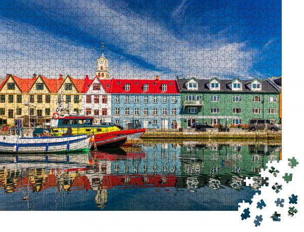 """Puzzle-Motiv """"Torshawn Stadt, die Hauptstadt der Färöer Inseln, Dänemark"""" - Puzzle-Schachtel zu 1000 Teile Puzzle"""