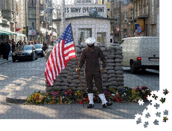 """Puzzle-Motiv """"Checkpoint Charlie"""" - Puzzle-Schachtel zu 1000 Teile Puzzle"""