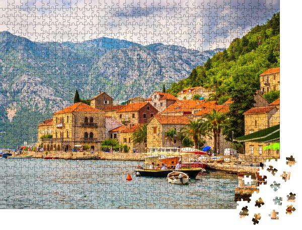 """Puzzle-Motiv """"Schöne mediterrane Landschaft - Stadt Perast"""" - Puzzle-Schachtel zu 1000 Teile Puzzle"""