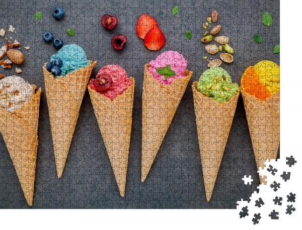 """Puzzle-Motiv """"Verschiedene Eiscreme-Aroma in Kegeln Heidelbeere """" - Puzzle-Schachtel zu 1000 Teile Puzzle"""