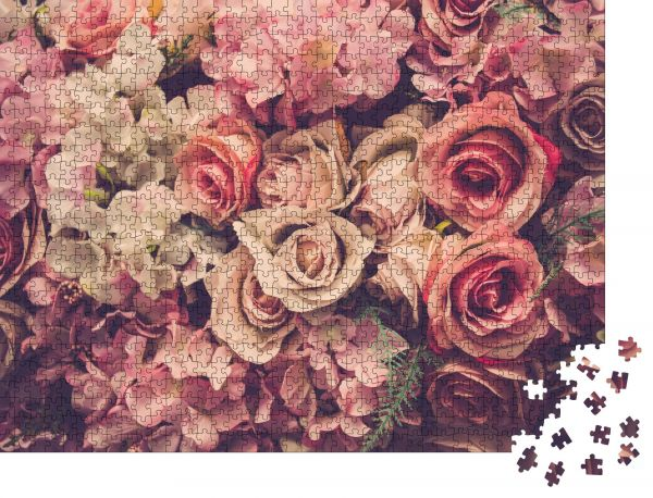 "Puzzle-Motiv ""Rosa Rosen im Hintergrund. Retrofilter"" - Puzzle-Teile zu 1000 Teile Puzzle"