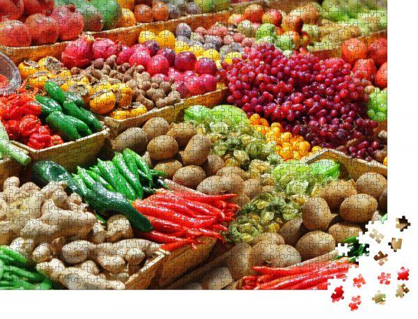 """Puzzle-Motiv """"Obst und Gemüse auf einem Bauernmarkt"""" - Puzzle-Schachtel zu 1000 Teile Puzzle"""