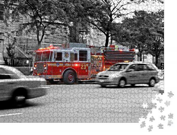 """Puzzle-Motiv """"New Yorker Feuerwehrfahrzeug im Einsatz"""" - Puzzle-Teile zu 1000 Teile Puzzle"""