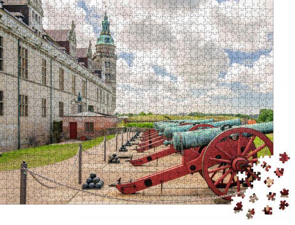 """Puzzle-Motiv """"Alte Kanonen an den Mauern der Burg Kronborg"""" - Puzzle-Schachtel zu 1000 Teile Puzzle"""