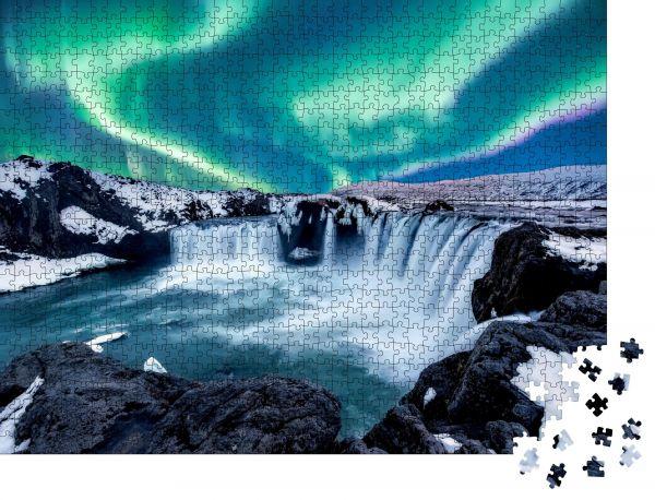 """Puzzle-Motiv """"Eine wunderbare Nacht mit Kp 5. Nordlicht Der Godafoss ist ein Wasserfall in Island"""" - Puzzle-Teile zu 1000 Teile Puzzle"""