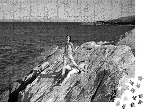 """Puzzle-Motiv """"Mode und Schönheit Sommerferien und Paradies-Reiseurlaub Sexy Frauen und Männer haben Sexspiele"""" - Puzzle-Schachtel zu 1000 Teile Puzzle"""