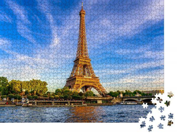 """Puzzle-Motiv """"Pariser Eiffelturm und Seine bei Sonnenuntergang in Paris, Frankreich"""" - Puzzle-Schachtel zu 1000 Teile Puzzle"""