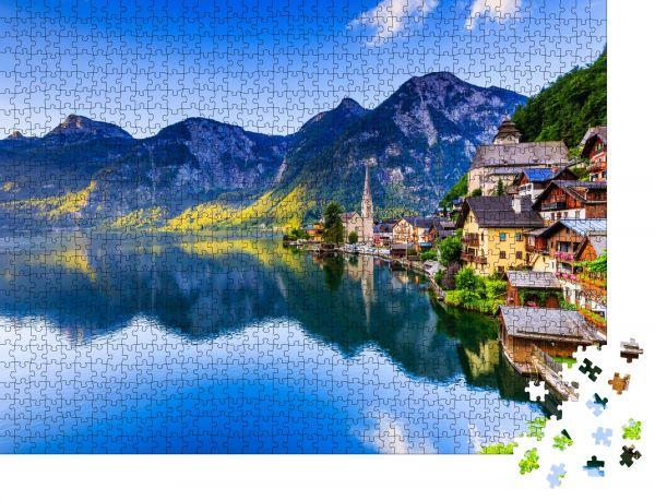 """Puzzle-Motiv """"Hallstatt, Österreich. Bergdorf in den österreichischen Alpen bei Sonnenaufgang"""" - Puzzle-Schachtel zu 1000 Teile Puzzle"""